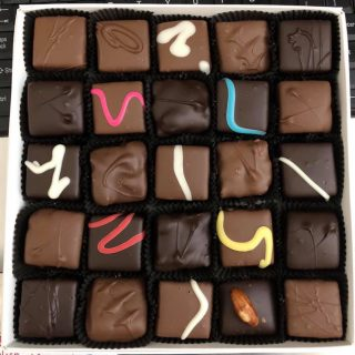 25 PIeces Handmade Box of Chocolates - THE Chocolate Shop Marion